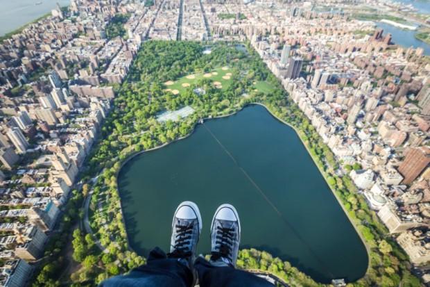CATERS_NY_Skyline_Shoe_Selfies_02.jpg