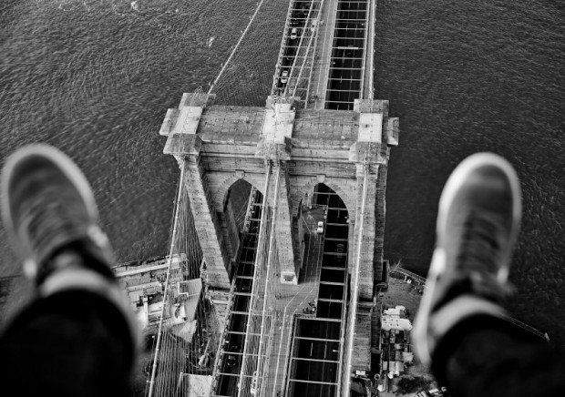 CATERS_NY_Skyline_Shoe_Selfies_05.jpg